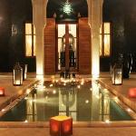 Villa JENAIMA Marrakech : entrée de nuit