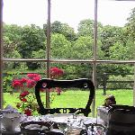 The beautiful breakast room overlooking the river