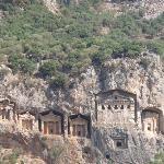 Ilyrian tombs