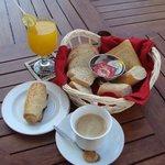 ภาพถ่ายของ Cafe Lombi, Swiss Bakery & Cafeteria