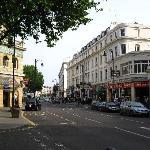 convienient location: tube station 5 min walk away