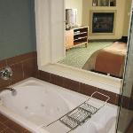 Jacuzzi tub and front area