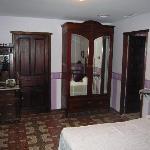 Todas las habitaciones son diferentes, con estilo rural andaluz de principios de siglo XX