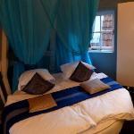 La cama en la habitación Azul