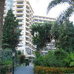 Vista del Hotel y Jardín desde el acceso a la playa