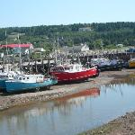 Boats in Alma at Low Tide
