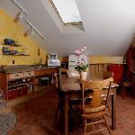 Kokanee Guest Suite Kitchen/ Dining Room