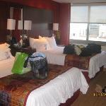 2 queens 1 bedroom suite