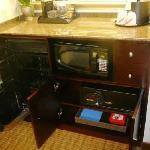 Premier Guest Suite - Refrig/Micro/Safe