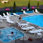 Heated Outdoor Swimming Pool & Spa