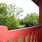 Vue de la terrasse : la voie ferrée !