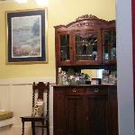 Beautiful antiques (foyer)