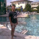 ai bordi della piscina