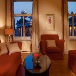 Angleterre Deluxe Lounge room