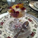 Greek Yogurt, honey, ginger and berries