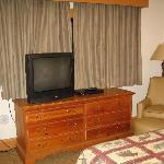 dresser/TV/chair