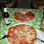 Pizza Hawaii and Pizza Quattro Stagioni