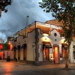 Sitthai Lounge & Restaurant