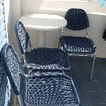 le vere sedie che c'erano sul balcone (non quelle che ci sono sul sito)