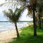 La piccola spiaggia dell'hotel.