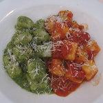 gnocchi w/tomato and pesto