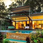 Luxury Rainforest Lodge with heated plunge pool & double sided fireplace