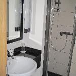 Tonwhouse double room bathroom 2