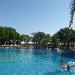 Zeugma front pool