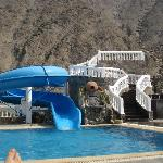 Piscina y tobogan