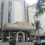 Safari Court entrance