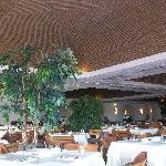 Salle de restaurant du Tivoli Lagos