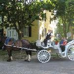 carriage ride p/u in front of Burke