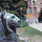 Denkmal mit Löwen