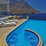 Spa, Pool and Aegean