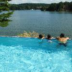 infity pool looking over lake delton