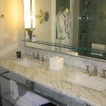 Bathroom- room 1107 -Grand Deluxe Salon