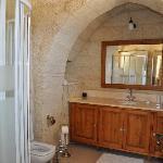 Hillside Suite bathroom