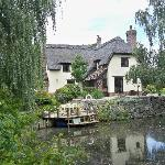 Wonderful thatched cottage, built by the owners!!