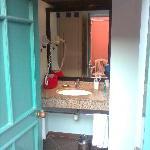 Open the room door. surprise !! the lavatory !!
