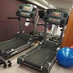 Aspen Suites Hotel - Gym