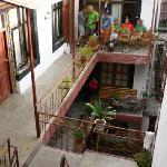 Ptio interior y habitaciones