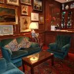 Foyer & Bar