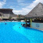 Main pool and swim up bar