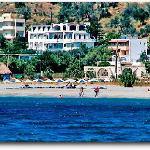 Το ξενοδοχείο Λόφος από την θάλασσα