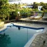 Η πισίνα  το ξενοδοχείου Lofos