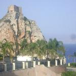 Vista sul castello di S. Alessio
