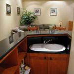 Gold Suite - One room - Kitchenette