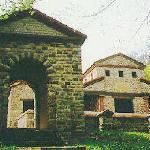 Tempel-Eingang auf dem Metzenberg, Tawern