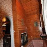 The sunken spa & fireplace