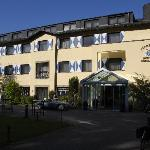 Photo of Parkhotel Schloss Hohenfeld